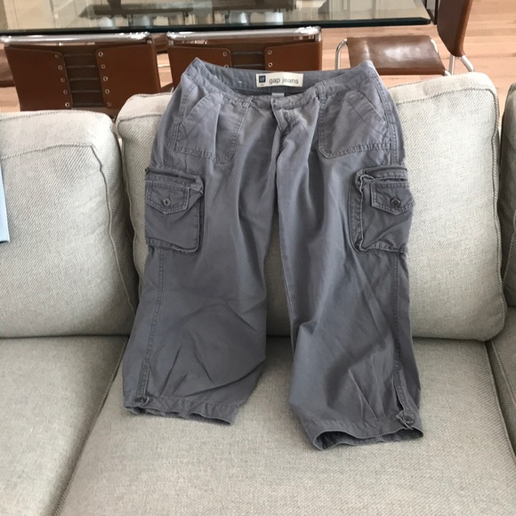 the Gap Pants - Gap cargo capris